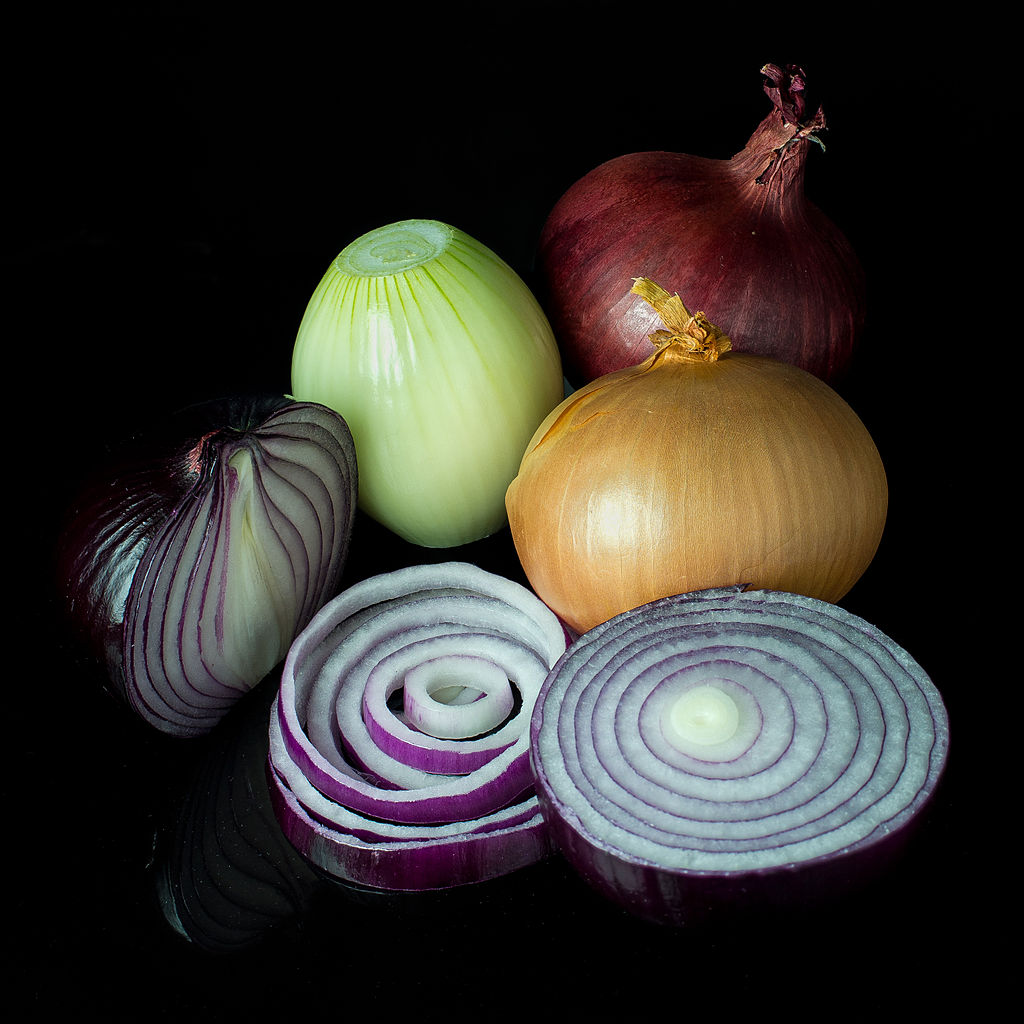 Onions in the dark are good for you; CC-BY-SA Credit: Colin @ wikimedia.org